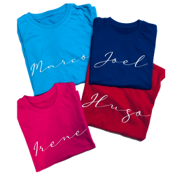 Camiseta con nombre en lettering