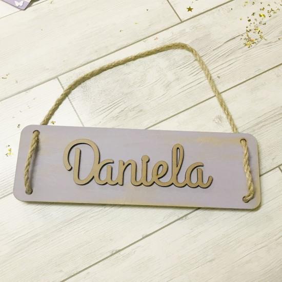 Cartel personalizado con nombre en madera
