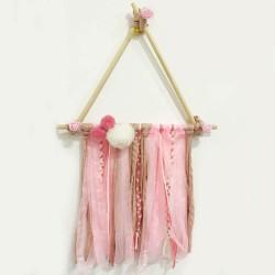 Atrapasueños tipi en tonos rosa-salmón-blanco